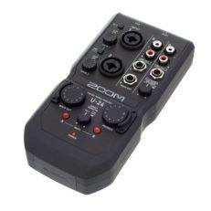 Zoom U-24 - interfaccia audio USB 2IN/4OUT