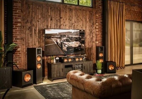 Copertina articolo gli altoparlanti passivi di Klipsch un'azienda che ha fatto la storia dell'audio domestico