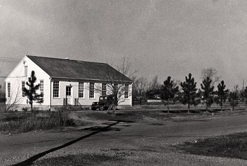 Dal 1948 al 1952 il seminterrato di questo edificio ospitò tutta la produzione Dal 1948 al 1952 il seminterrato di questo edificio ospitò tutta la produzione