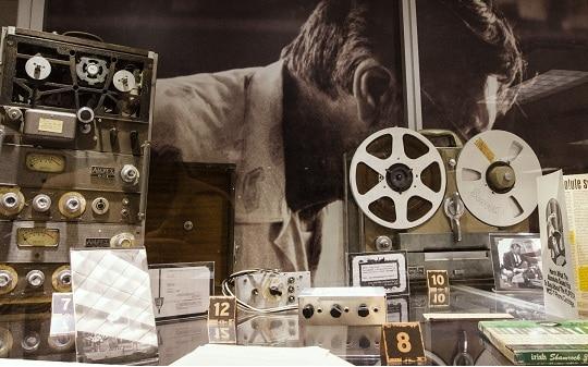 esposizione all'interno del Klipsch Museum of Audio Historyesposizione all'interno del Klipsch Museum of Audio History