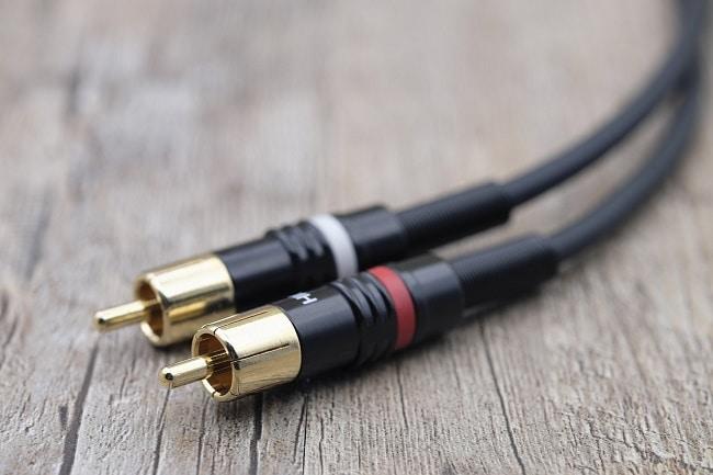 Immagine decorativa. Mostra il cavo audio più utilizzato: il cavo con connettori RCA.